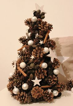 Country Christmas Crafts, Xmas Crafts, Diy Christmas Ornaments, Rustic Christmas, Christmas Wreaths, Minimalist Christmas, Xmas Decorations, Pinecone, Advent