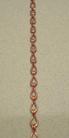 "Kia Dallons Studio: Tutorial: Making Wire Work Chain.  I've made a nice var. w/ 20g @ 1 1/2"" pieces."