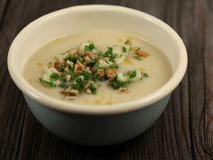Supa+crema+de+telina+cu+nuca Cheeseburger Chowder, Ethnic Recipes, Soups, Food, Cream, Essen, Soup, Meals, Yemek
