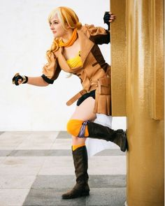 Someone is going to have to remind me to bring my business cards to #animeusa this Friday. I keep forgetting them when I'm packing. And oh goodness gotta type a few papers and study for a midterm this week. Gotta get on that!!! Now until Winter Break is going to be so hectic!  #yang #yangcosplay #yangxiaolong #yangxiaolongcosplay #cosplay #cosplayer #anime #animecosplay #rwby #rwbycosplay #rwbyyangcosplay #rwbyyang #rwbyyellow #roosterteeth #montyoum