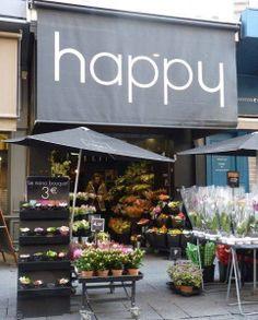 """Bravo por Pharrell Williams y su canción """"Happy"""" y bravo por esas tiendas que dan el mismo mensaje positivo en una época de desánimo general."""