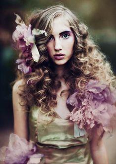 Female Portrait, Woman Portrait, Family Affair, Daenerys Targaryen, Game Of Thrones Characters, Fictional Characters, Rue, Vegetable Garden, Cottages