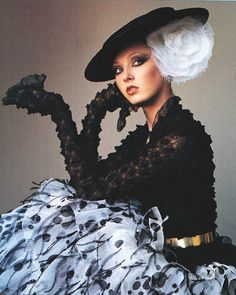 'April in Paris' | Maggie Rizer in Chanel Spring 2000 HC | photo by Irving Penn | Vogue US April 2000