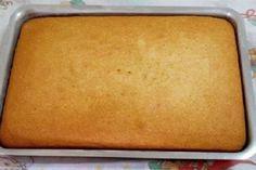 A Receita de Pão de Ló de Água Quente é econômica, deliciosa e fácil de fazer. Seu bolo ficará incrível com esse pão de ló. Experimente!