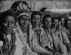 Native Americans - Collections - Google+ Od Lewej: Two Guns White Calf, Three Bears, Weasel Tail, Owen Heavy Breast, Big Wolf Medicine, nieznany, nieznany  - Blackfoot, 1998r.