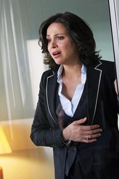 Regina (Lana Parilla) in the Once Season 1 Finale... When Henry died.... I lost it, too. And felt sympathy for Regina.... which never happens...