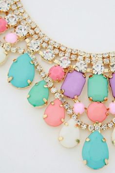 love the ice cream hues of this necklace