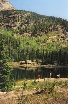 Spud Lake - 2 mile roundtrip hike in North Durango with a beautiful lily pond at the trailhead.