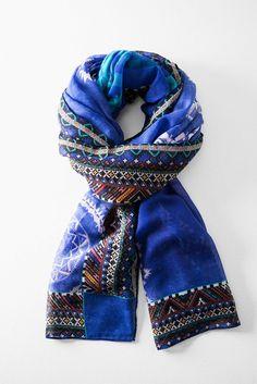 7bb37e160dc41 63 meilleures images du tableau Desigual scarf S S 2015   Scarf head ...