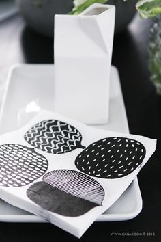 Marimekko Textures Patterns, Color Patterns, Print Patterns, Black And White Interior, Black And White Love, Marimekko, Design Textile, Scandinavian Kitchen, Toy Kitchen