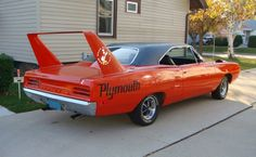 Bringing you the best in classic muscle cars and other exceptional automobiles Dodge Daytona, Dodge Charger Daytona, Dodge Muscle Cars, Best Muscle Cars, Plymouth Superbird, Kustom Kulture, Road Runner, Mopar, Automobile