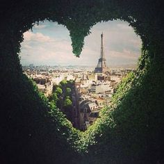 Eiffel Tower Love || Get travel tips and inspiration for visiting France at http://www.holidaystoeurope.com.au/home/resources/destination-articles/france
