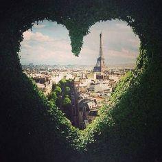 Love in Paris | @dreamexploring | #dreamexploring