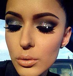 Glamorous effect. Smokey eyes with rhinestones and silver glitter.   #silver #fashion #style #makeup