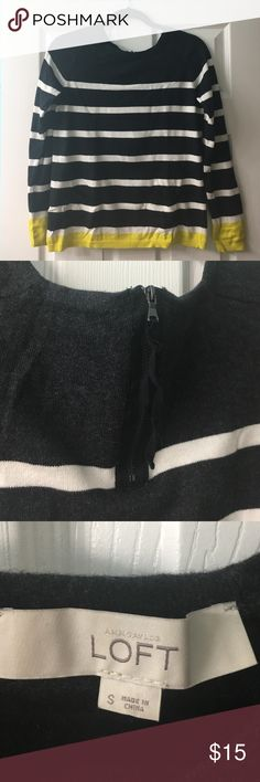 Loft Sweater Like new condition. Light weight and trendy. LOFT Sweaters