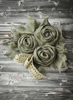 """Fabric brooch / Броши ручной работы. Ярмарка Мастеров - ручная работа. Купить Брошь """"Бохо-романтика"""". Handmade. Тёмно-зелёный, текстильное украшение"""