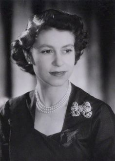 Royal Command portrait of Princess Elizabeth by photographer Baron at Clarence House, London, Die Queen, Hm The Queen, Royal Queen, Her Majesty The Queen, Queen Mary, Young Queen Elizabeth, Princess Elizabeth, Princess Margaret, Princess Diana