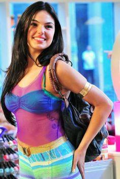 Haha love this girl! So pretty =)