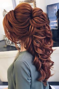 Wedding Hairstyles Half Up Half Down - Hairstyles for long hair are really popular right now. See our 18 amazing Christmas ideas of half up half down hairstyles for long hair. Down Hairstyles For Long Hair, Wedding Hairstyles Half Up Half Down, Half Up Half Down Hair, Long Hair Dos, Half Updo, Long Hair Wedding Styles, Wedding Hair And Makeup, Bridal Hair, Half Up Wedding Hair