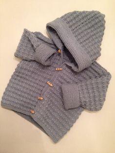 Hettejakke fra Den store guttestrikkeboka // Knitted jacket from Den store guttestrikkeboka