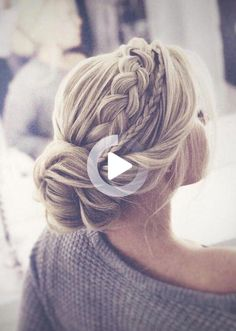 Are you on the hunt for that perfect braided wedding hairstyle? One that feels effortless, romantic and ethereally chic? We love all of the innovative and creative takes on the humble braid that have popped up in our various social feeds. These variations are romantic, chic and unique and feature little tweaks that make it […] #weddinghairstyles Wedding Hairstyles For Medium Hair, Cool Braid Hairstyles, Wedding Hairstyles For Long Hair, Bride Hairstyles, Bridesmaid Hairstyles, Homecoming Hairstyles, Hair Updo, Simple Hairstyles, Formal Hairstyles