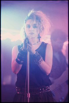 Photos of young Madonna by the photographer Richard Corman. Photos of young Madonna by the photographer Richard Corman. 80s Party Outfits, 80s Outfit, Look Rock, Divas, 1980s Madonna, Madonna In The 80s, Madonna Young, Madonna Hair, Lady Madonna