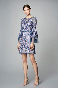 Marchesa Notte Pre-Fall 2017 Fashion Show Collection Fashion 2017, Love Fashion, Runway Fashion, Fashion Show, Fashion Dresses, Womens Fashion, Fashion Design, Ladies Fashion, Feminine Fashion
