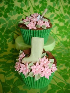edible cases and garden theme by Darcy's Cupcake Creations, via Flickr