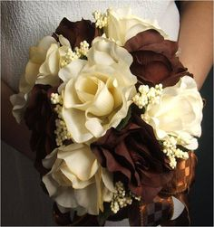 brown green wedding pinecome   You can complete the look of a brown wedding bouquet with seasonal ...