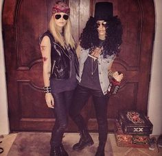 Welcome to the Jungle! Jessica Alba rocked her Halloween costume this year, channeling Guns N' Roses guitarist Slash for Kate Hudson's bash on Oct. Best Celebrity Halloween Costumes, Scary Halloween Costumes, Halloween Dress, Rock Star Costumes, Guns N Roses Halloween Costume, Rockstar Halloween Costume, Rock And Roll Costume, Pirate Costumes, Adult Costumes