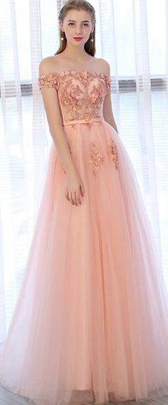 ab9c8201ec2 Robe concours de beauté rouge chic confectionnée sur mesure. Robe De Soirée  RoseBelle ...