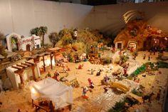 300 figuras de plastilina conforman el Belén de la Iglesia de Santiago de Cigales http://www.revcyl.com/www/index.php/cultura-y-turismo/item/2330-300-figuras-de-plastilina-conforman-el-bel%C3%A9n-de-la-iglesia-de-santiago-de-cigales