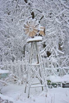 Windmill in the snow! Love this winter scene! Windmill in the snow! Love this winter scene! Winter Magic, Winter Snow, Winter Time, Snow Scenes, Winter Scenes, Windmill Water Pump, Old Windmills, Wind Mills, I Love Snow
