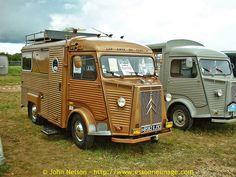 """La Locomotion en Fete 2003 - Golden Citroen HY """"TUB""""., via Flickr."""