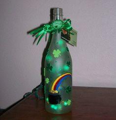 Items similar to Pot O Gold St. Patty's Day Bottle on Etsy Wine Bottle Design, Wine Bottle Art, Painted Wine Bottles, Lighted Wine Bottles, Paint Bottles, Liquor Bottles, Glass Bottles, Sant Patrick, Decorated Wine Glasses