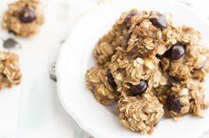 Skinny Monkey Oats Cookies: healthy, yummy snacks at only 35 calories each. Oat Cookies, Healthy Cookies, Cookies Et Biscuits, Applesauce Cookies, Delicious Cookies, Sugar Cookies, Healthy Junk Food, Healthy Desserts, Healthy Eating