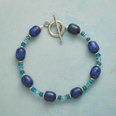 Lend exceptional color to any look wearing this pretty, lapis and apatite beaded bracelet.
