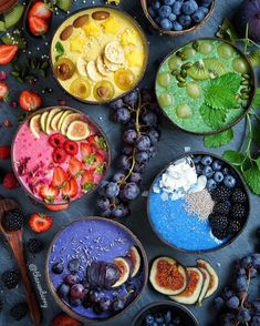 Terrific Pic That& a colorful smoothie bowl picture! Ideas Smoothie Recipes tasty and healthy… There are therefore several recipes floating on the interne Vegan Smoothies, Fruit Smoothies, Smoothie Recipes, Rainbow Smoothies, Cute Food, Yummy Food, Brunch, Aesthetic Food, Breakfast Bowls