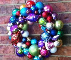 mommy is coocoo is having a Christmas Ornament Wreath Give-A-Way! You could win a wreath and make one for a friend {there's a DIY Ornament Wreath tutorial}. Christmas Ornament Wreath, Christmas Ornaments To Make, Christmas Ribbon, Christmas Love, Christmas Projects, Holiday Crafts, Christmas Wreaths, Christmas Bulbs, Christmas Decorations