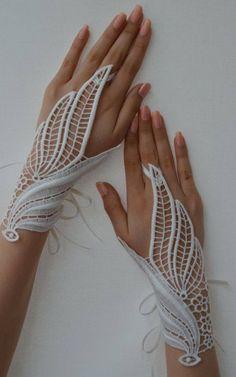 Celtic leaf gloves
