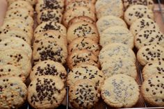 Chocolate chip cookies with sprinkles! Sprinkle Cookies, Chocolate Chip Cookies, I Foods, Sprinkles, Food Photography, Chips, Desserts, Tailgate Desserts, Potato Chip