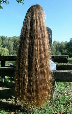 If I had six feet of hair, it probably would look kind of like this--all the curl stretched out! Permed Hairstyles, Pretty Hairstyles, Funky Hairstyles, Rapunzel Hair, Beautiful Long Hair, Amazing Hair, Very Long Hair, Hair Pictures, Great Hair