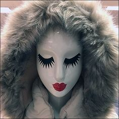 This Winter Mannequin Mascara Makeup at Macys is a second execution of this concept. The first reporting hails from the Short Hills Mall. Short Hills Mall, Symmetrical Balance, Principles Of Design, Visual Merchandising, Close Up, Mascara, Halloween Face Makeup, Retail, Cosplay