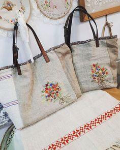 #Embroidery#stitch#needle work#hamp linen #프랑스자수#일산프랑스자수#자수#자수소품#햄프린넨가방  #쌍둥이 햄프린넨 빅 백~