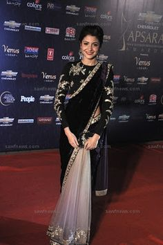 love her black saree, #anushka sharma