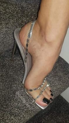 Sexy Legs And Heels, Hot Heels, Sexy High Heels, High Heels Stilettos, Pumps, Beautiful High Heels, Beautiful Toes, Sexy Sandals, Sexy Toes