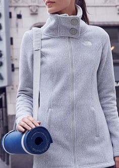 Cute collar on this North Face fleece http://rstyle.me/n/rjmvan2bn