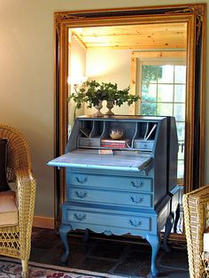 secretary in aubusson blue annie sloan chalk paint. love that it's antique looking. would want it in green instead.