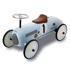 Классический гоночный автомобиль для маленьких водителей
