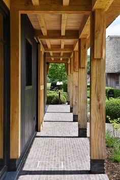 Pergola Over Front Door Refferal: 9578714423 Contemporary Garden Rooms, Pergola, Porch Veranda, Front Walkway, Barn Renovation, Corner Garden, Backyard Sheds, Modern Farmhouse Exterior, Colorado Homes